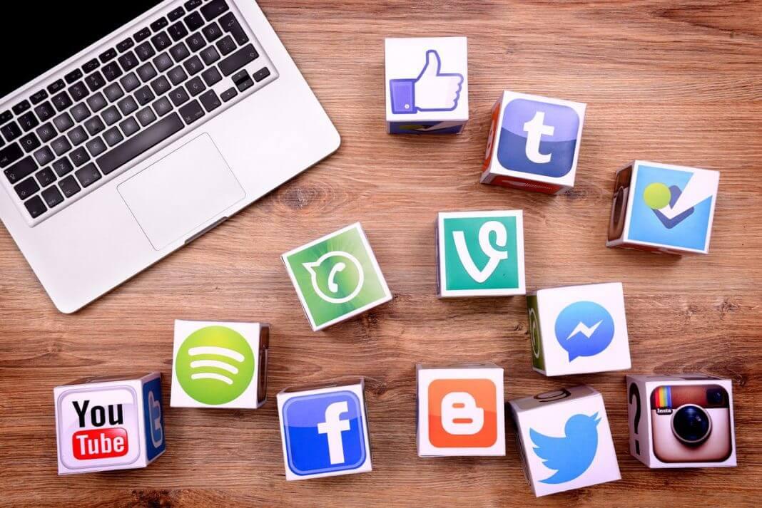 Website nên hướng đến chia sẻ mạng xã hội